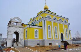 Никольский храм города Воскресенска, строится